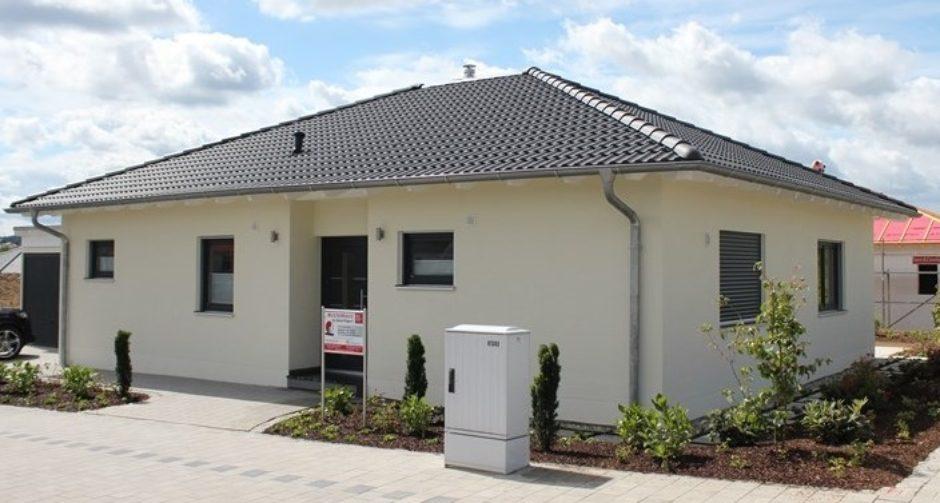 Musterhaus bungalow  Hilpl-Wagner-Bau -Neuer Musterhaus Bungalow Maxhütte - Hilpl ...